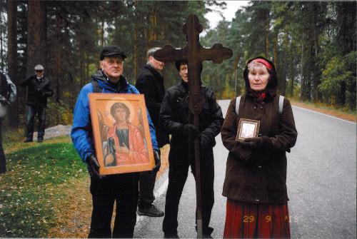 Pyhän Mikaelin ekumeeniseen ristisaattoon valmistautumista Mikkelissä 2013. Kuva: Maire Sundström